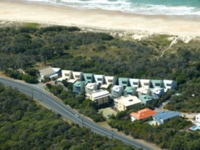 Castaway Cove Resort Noosa - Accommodation Coffs Harbour