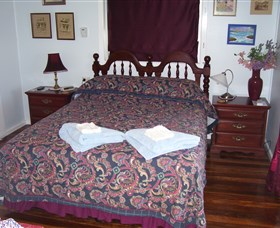 Boonah Hilltop Cottage - Accommodation Coffs Harbour