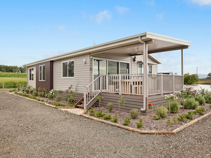 The Lake House Rothbury - Accommodation Coffs Harbour