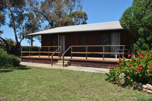 Clinton Cabin - Accommodation Coffs Harbour
