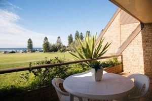 Reef Resort Apartments - Accommodation Coffs Harbour