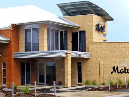 Strath Motel - Accommodation Coffs Harbour