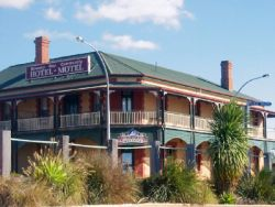 Streaky Bay Hotel Motel - Accommodation Coffs Harbour
