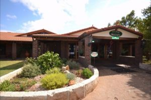 Wave Rock Motel - Accommodation Coffs Harbour