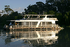 Whitewater Houseboat - Accommodation Coffs Harbour