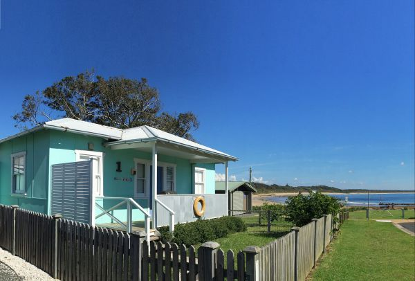 Aurora Beachfront Cottage - Accommodation Coffs Harbour