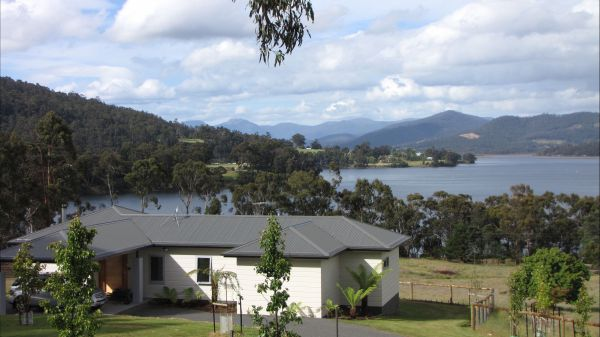 Huon River Cottage - Accommodation Coffs Harbour
