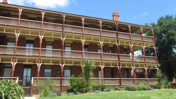 Yarra House - Accommodation Coffs Harbour