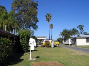 Browns Caravan Park - Accommodation Coffs Harbour