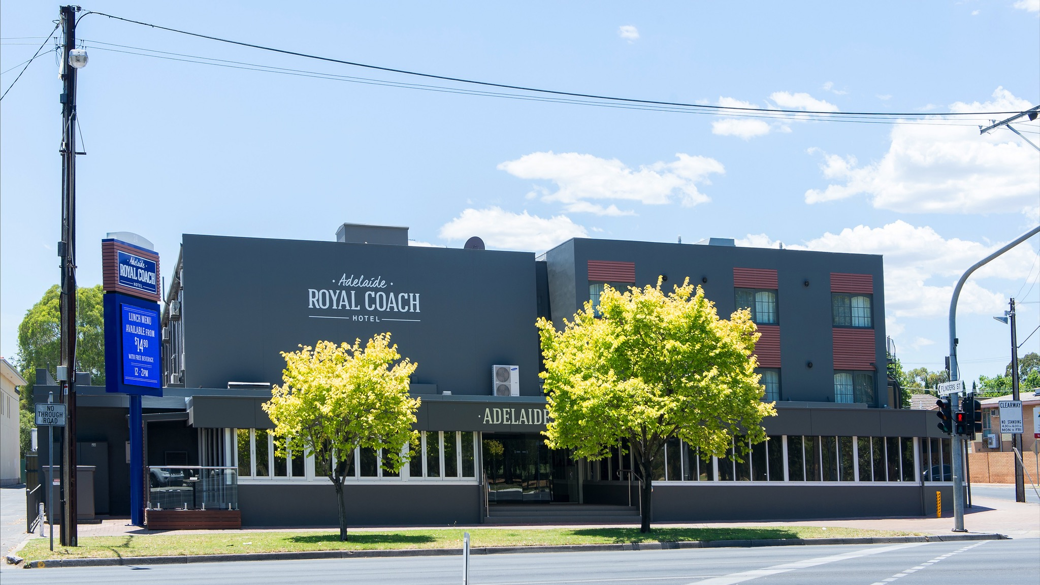 Adelaide Royal Coach - Accommodation Coffs Harbour
