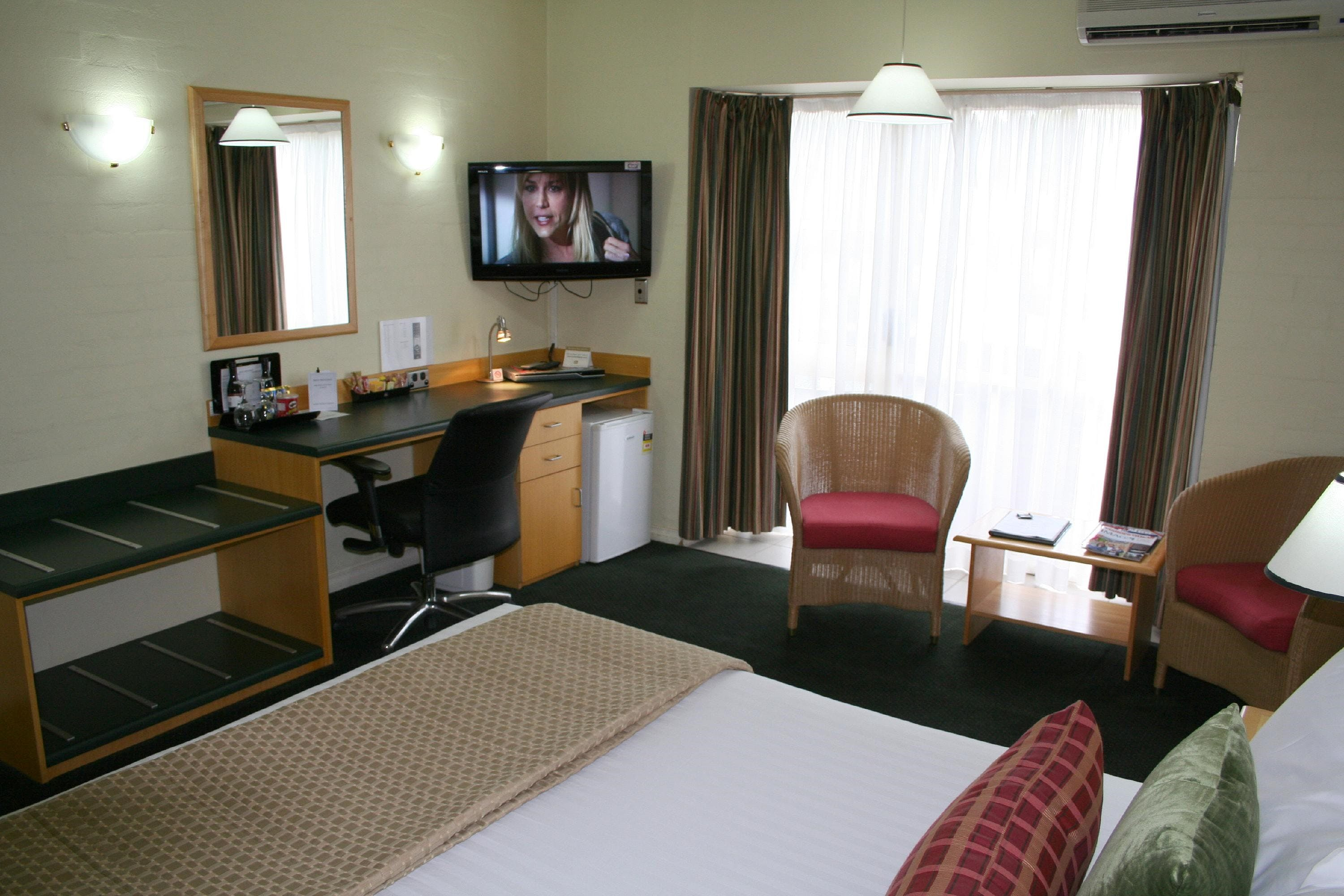 Grand Country Lodge - Accommodation Coffs Harbour
