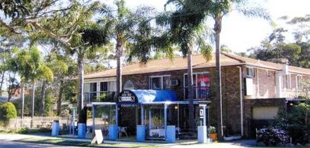 Palm Court Motel - Accommodation Coffs Harbour