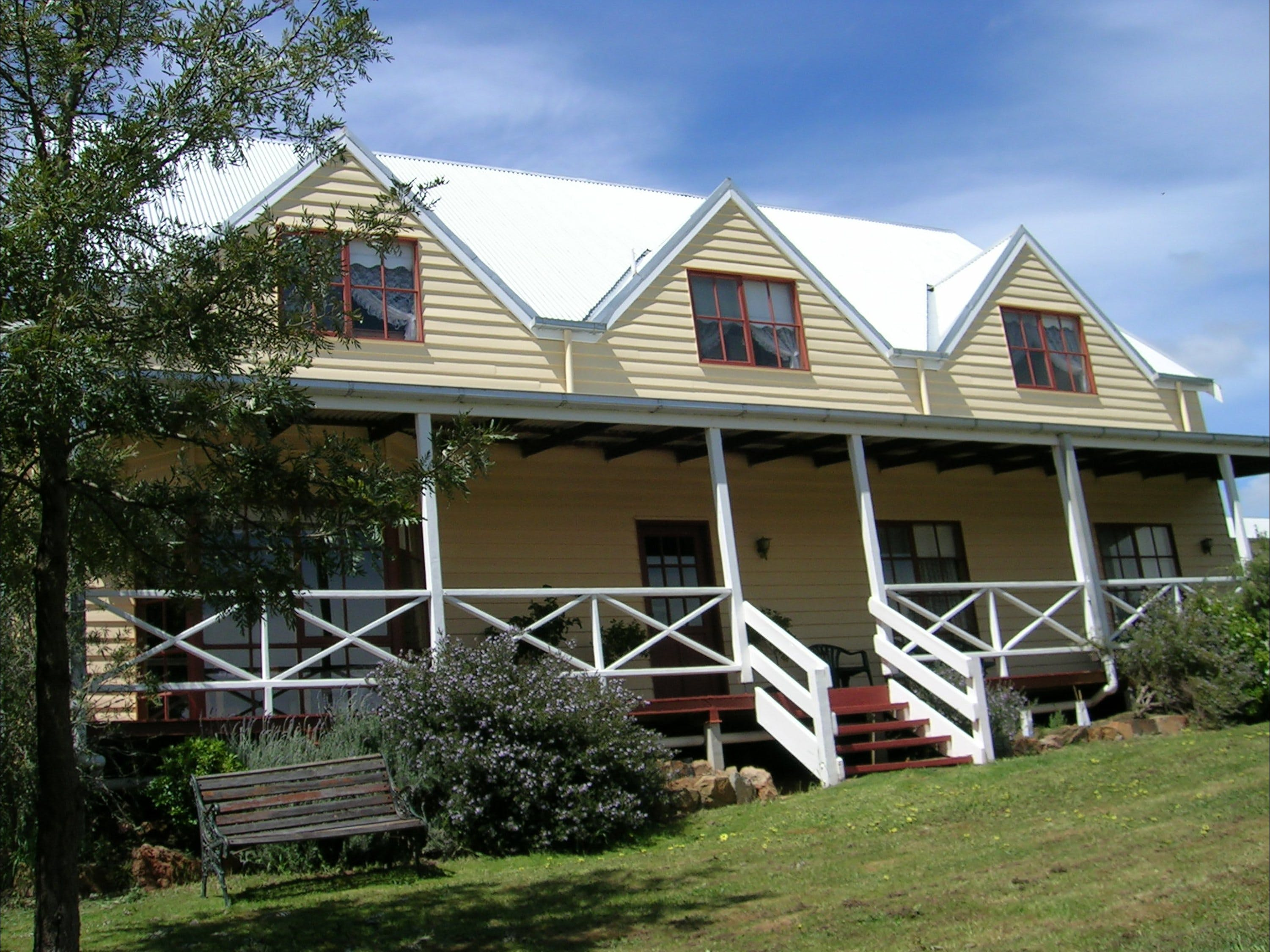 Celestine House - Accommodation Coffs Harbour