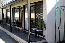 Courtside Cottage Bed and Breakfast - Accommodation Coffs Harbour
