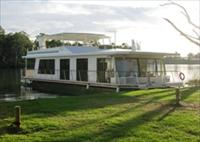 Cloud 9 Houseboats - Accommodation Coffs Harbour