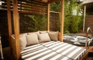 Lake House - Accommodation Coffs Harbour