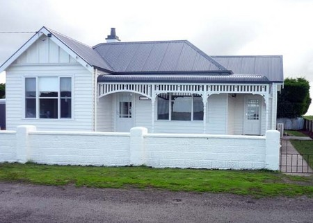 Calgary House  Cottage Accommodation - Accommodation Coffs Harbour