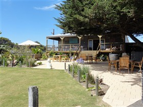 Rustic Blue - Accommodation Coffs Harbour