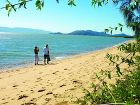 Bushland Beach - Accommodation Coffs Harbour