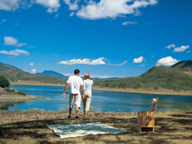 Lake Maroon - Accommodation Coffs Harbour