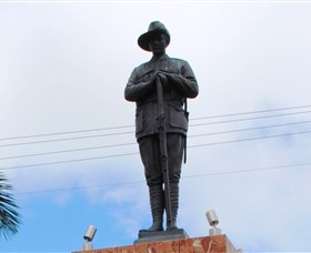 Charters Towers Memorial Cenotaph - Accommodation Coffs Harbour