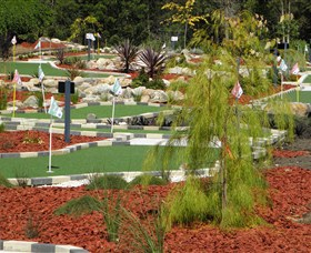 18 Hole Mini Golf - Club Husky - Accommodation Coffs Harbour