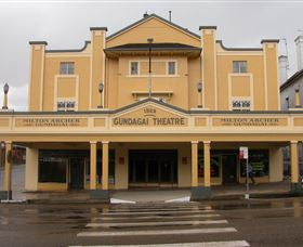 Gundagai Emporium - Accommodation Coffs Harbour