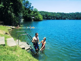 Green Park - Accommodation Coffs Harbour
