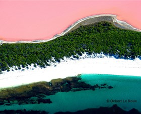 Lake Hillier - Accommodation Coffs Harbour