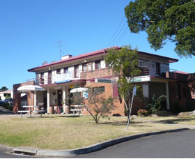 Hotel Oaks - Accommodation Coffs Harbour