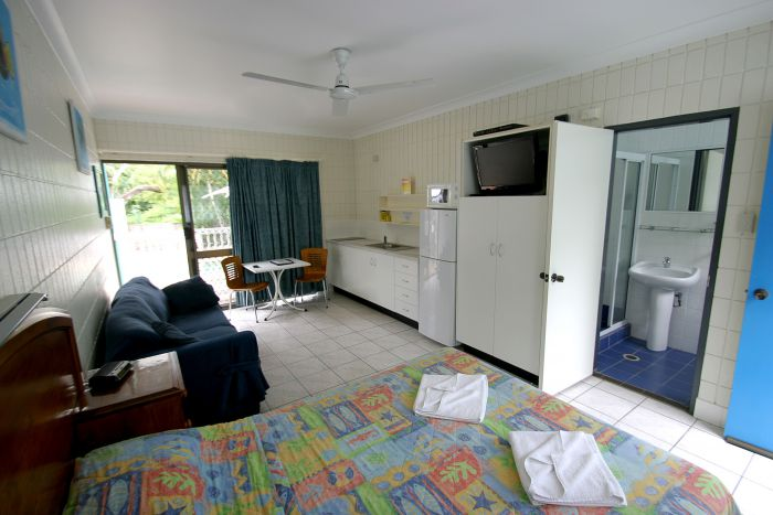 Tropical Palms Inn - Accommodation Coffs Harbour