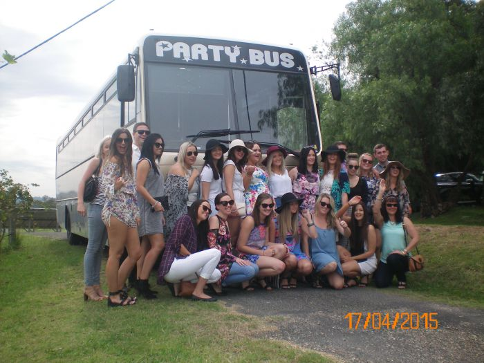 R  R Bus and Leisure Hire - Accommodation Coffs Harbour