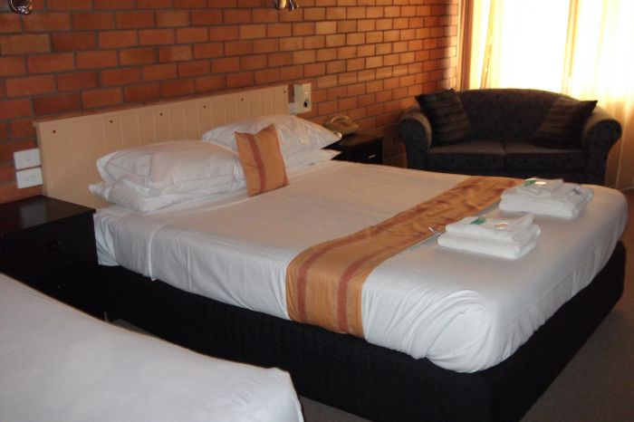 Hilldrop Motor Inn - Accommodation Coffs Harbour