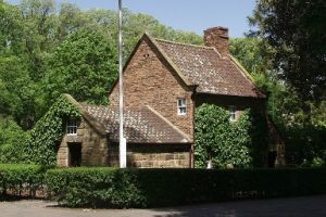 Cooks' Cottage - Accommodation Coffs Harbour