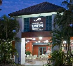 Runaway Bay Tavern - Accommodation Coffs Harbour