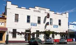 Shire Hall Hotel - Accommodation Coffs Harbour