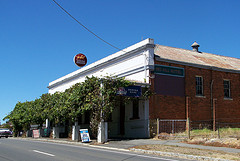 Red Hill Hotel - Accommodation Coffs Harbour