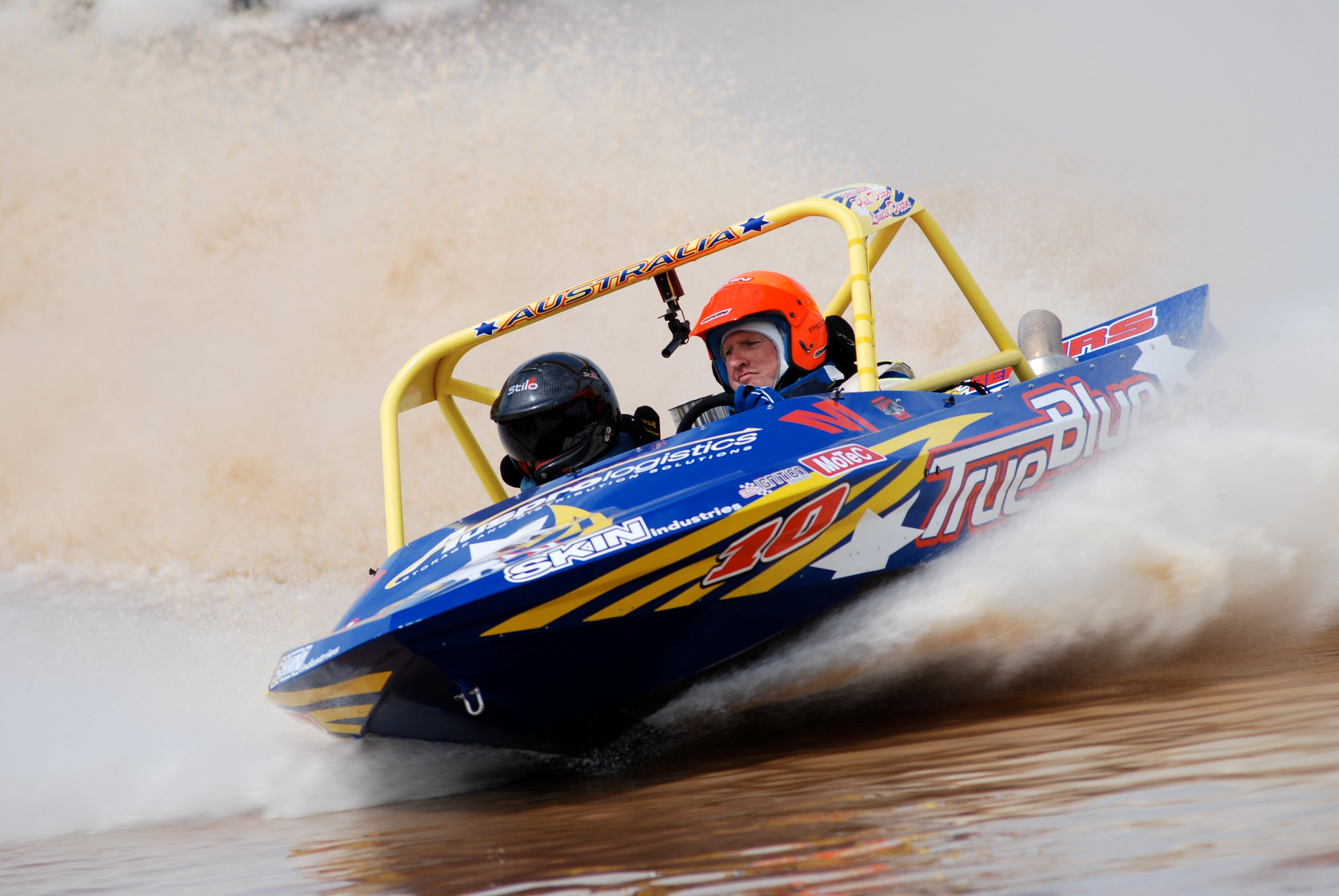 V8 Superboats - Accommodation Coffs Harbour