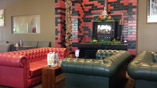 Pioneer Tavern - Accommodation Coffs Harbour
