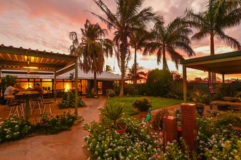 Devils Marbles HotelWauchope - Accommodation Coffs Harbour