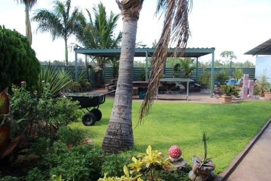 Devils Marbles Hotel - Accommodation Coffs Harbour