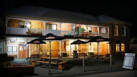 Sheffield Hotel - Accommodation Coffs Harbour