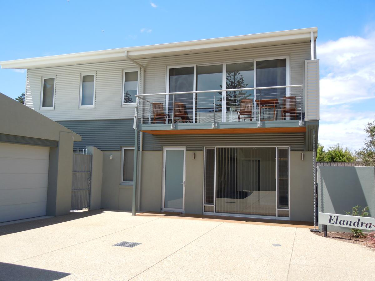 Elandra Holiday Home - Accommodation Coffs Harbour