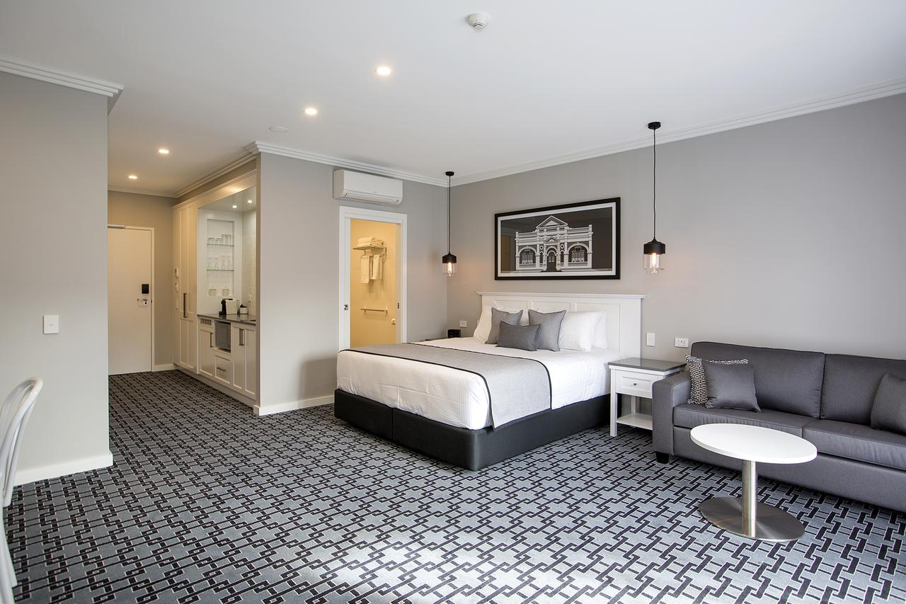 CH Boutique Hotel - Accommodation Coffs Harbour