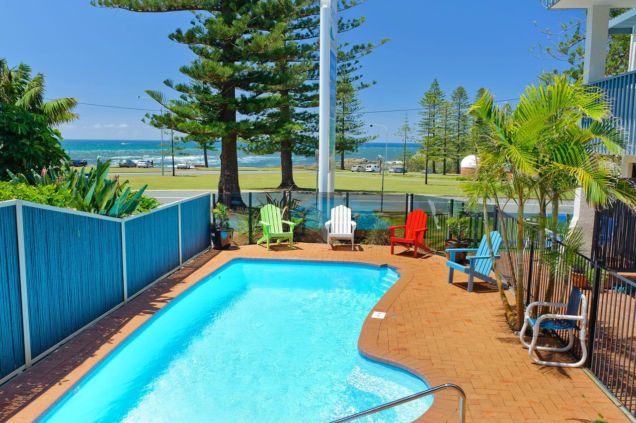 Beach House Holiday Apartments - Accommodation Coffs Harbour
