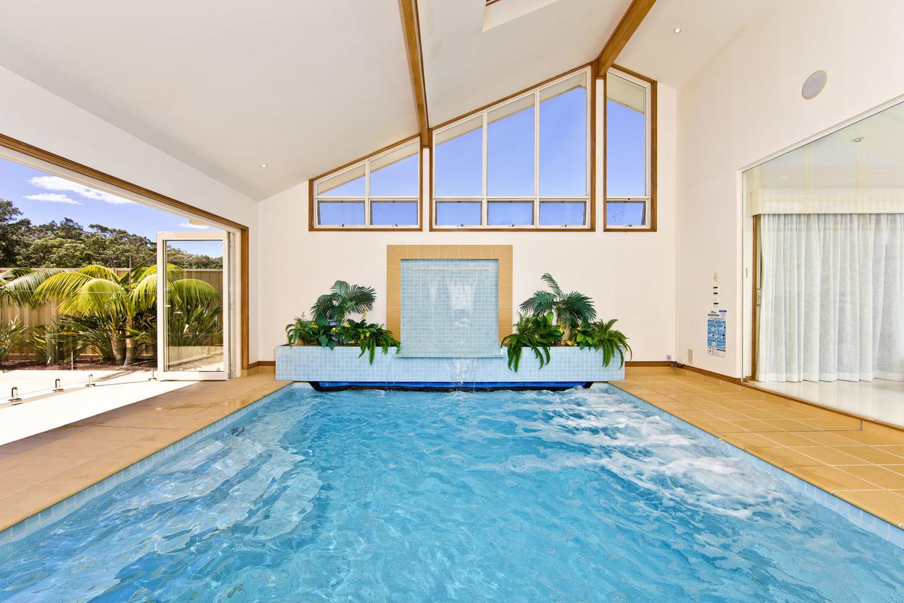One Mile Mansion - Private Coastal Retreat FREE FAMILY ADVENTURE PASS - Accommodation Coffs Harbour
