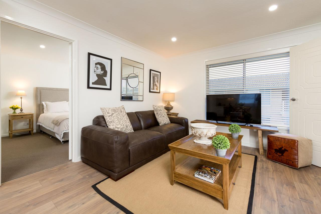 Sleeping in Style - Central  Sophisticated - Accommodation Coffs Harbour