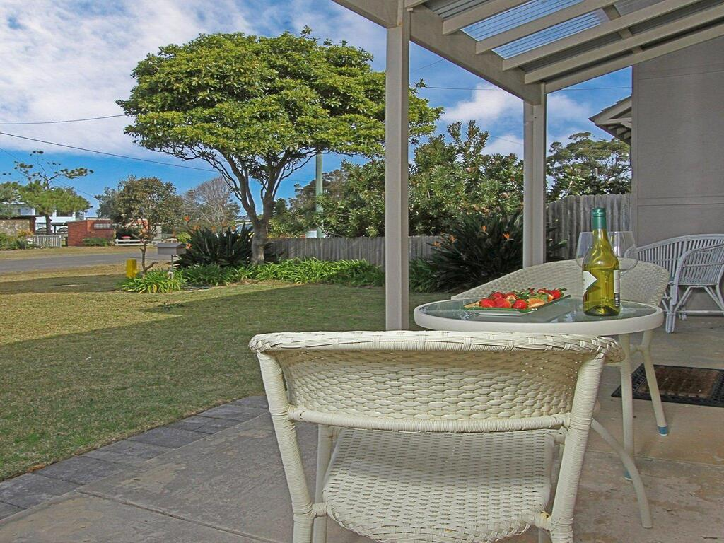 Callala Beach Cottage - charm and character - Accommodation Coffs Harbour