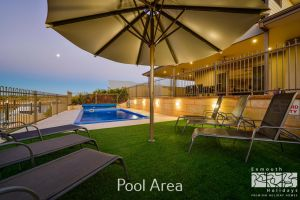 7 Kestrel Place - PRIVATE JETTY  POOL - Accommodation Coffs Harbour