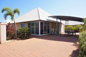Osprey Holiday Village Unit 122/2 Bedroom - Perfectly neat and tidy apartment - Accommodation Coffs Harbour